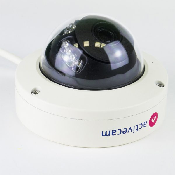 Фото 2 - ActiveCam AC-D3141IR1 + ПО TRASSIR в подарок. Уличная компактная сетевая Dome-камера 4Мп с WDR 120 дБ, ИК-подсветкой и USB.